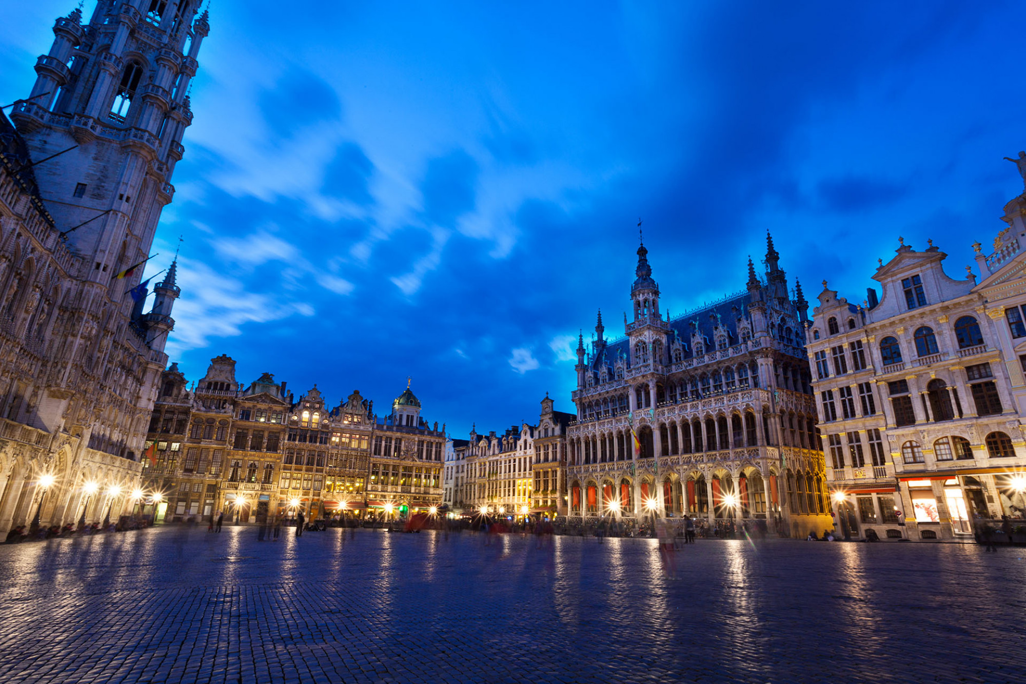Brussels main square lit up at night