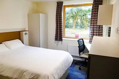 Park Wood Flat double bedroom