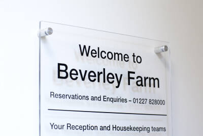 Welcome to Beverley Farm sign