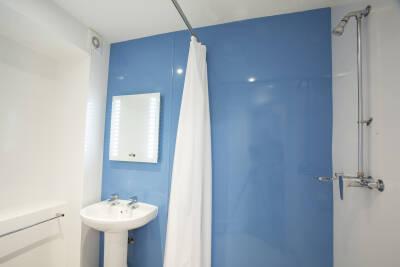 Beverley Farm bathroom