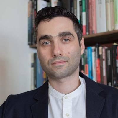 Portrait of Dr Kaveh Abbasian