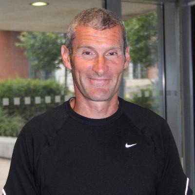 Portrait of Dr Steve Meadows