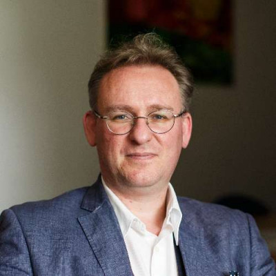 Portrait of Professor Simon Kirchin