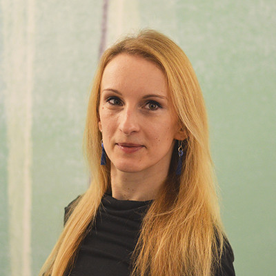 Portrait of Dr Juliane Thieme