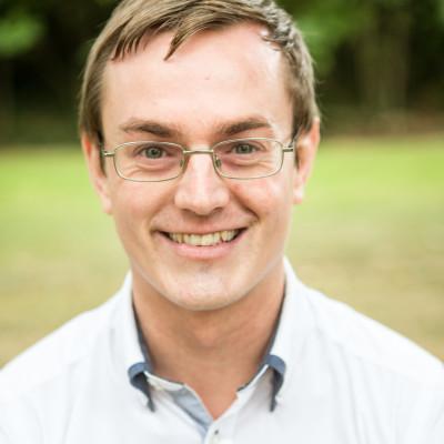 Portrait of Dr David Acheson