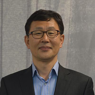 Portrait of Professor Soo Hee Lee