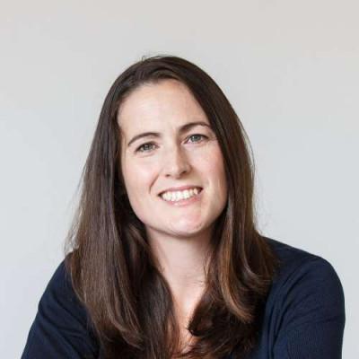 Portrait of Dr Rosie Wyles