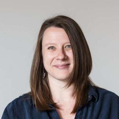 Portrait of Dr Joanne Pettitt