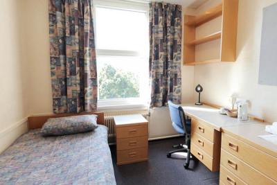 Eliot College bedroom