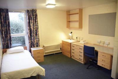 Eliot College large bedroom