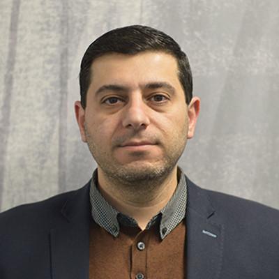 Portrait of Dr Omar Al-Tabbaa